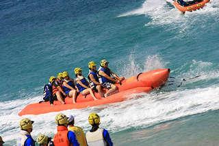 【澎湖-北海金八達快艇】暢遊吉貝島專案,含往返船票與八合一水上活動不限次數暢遊券一張、浮潛一次,與大海融為一體,盡情享受自在悠遊的快感!