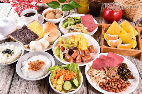 只要129元起,即可享有【首學大飯店】A.單人/B.雙人活力早餐吃到飽Buffet〈含熱食類、冷盤、水果類、麵包、饅頭類、飲料〉