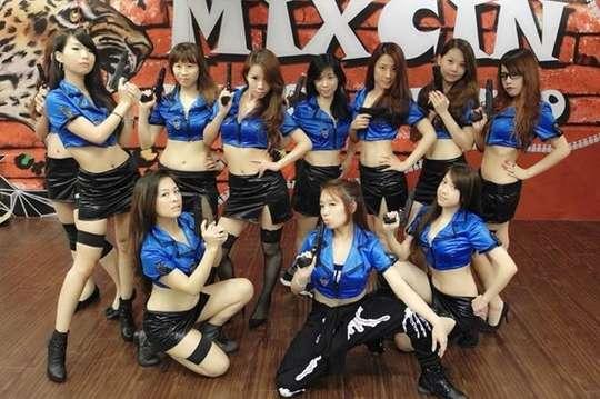 只要99元起,即可享有【MixCin舞際藝動館】單堂(2小時)上課劵 A.一張/B.一期四堂〈特別推薦:韓風MV舞蹈、夜店艷舞、兒童MV街舞、瑜珈、肚皮舞、肌力雕塑、拳擊有氧〉