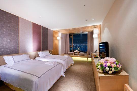 背景墙 房间 家居 起居室 设计 卧室 卧室装修 现代 装修 540_359