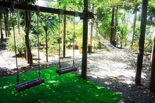 清晨森林树屋远景分享展示图片