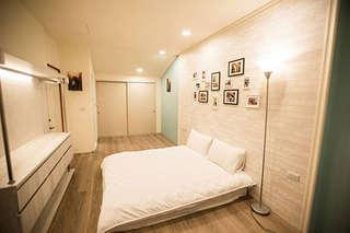 【海安伍巷-包棟民宿】提供造訪台南的旅人一處獨立寧靜空間,比家還像家!鄰近林百貨、神農老街、海安路、花園夜市等知名景點!