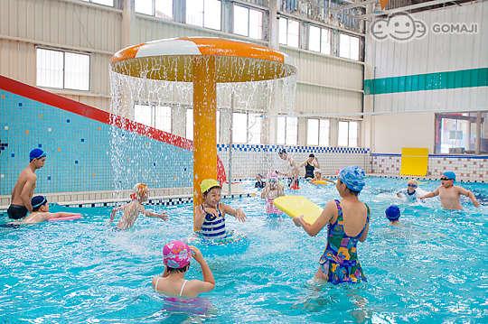 只要100元,即可享有【假期室內溫水游泳池(青海店)】夏季戲水專案單人優惠券一張〈含溫水游泳池、冷水池游泳池、兒童戲水池、多功能SPA池、按摩池、水池按摩、泡湯池、冰水池、烤箱與蒸氣室〉