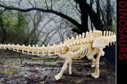 吼~呜~吼三角龙,始祖鸟,菱龙,剑齿虎,暴龙,远古时代最凶猛的动物!