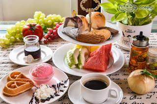 只要199元,即可享有【劍橋大飯店(台南館)】A.活力早餐Buffet吃到飽 / B.經典英式下午茶套餐