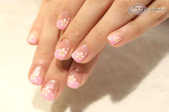 店家介绍       精选10款俏皮可爱的指甲彩绘,颜色缤纷,款式多变,可