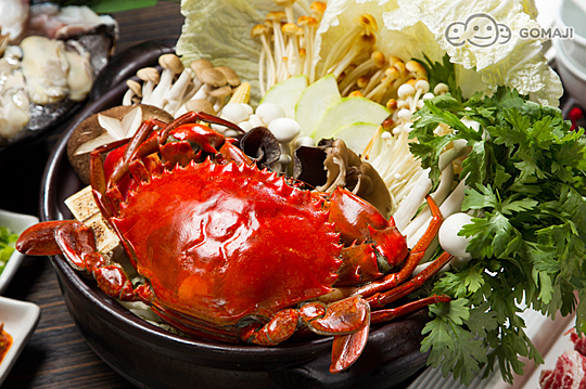 开运年菜锅:螃蟹海鲜锅一份,建议4~5人分享 / b.