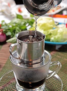 越南滴漏热咖啡