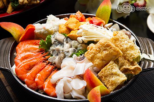客家玉米鸡/锦绣大拼盘(乌鱼子 螺肉 鲍鱼 鳗鱼卷 海蜇丝)/龙虾三明治