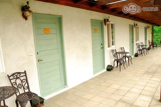 采南法乡村设计风格,使用全系列欧洲乡村品牌配饰~复古木制卧室组