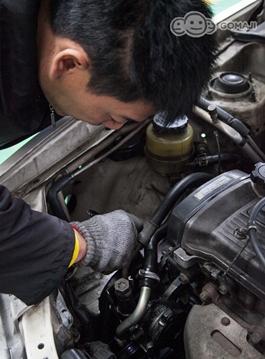 自动变速箱油 煞车油 方向机油,水:电瓶水 雨刷水 冷却液)   车身车内