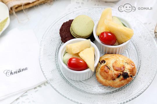 欧式水果蛋糕图片 创意女生