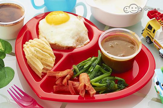 可爱儿童套餐-煎蛋佐咖哩饭